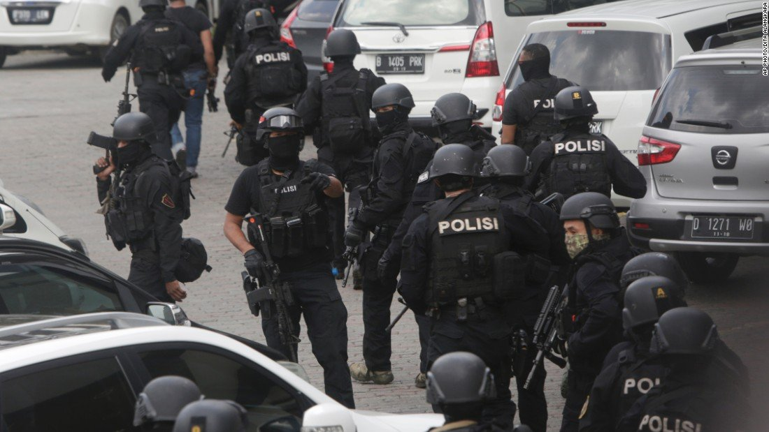 suicide-bombings-indonesia-police