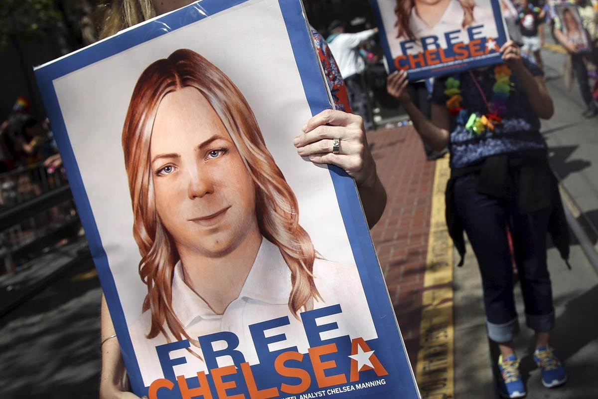 Chelsea-Manning-free