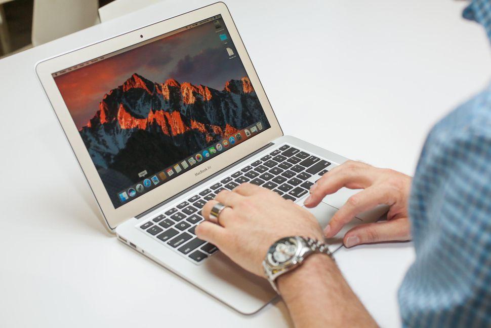 Macbook Air 2017 Edition